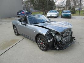 Salvage FIAT 124 SPIDER